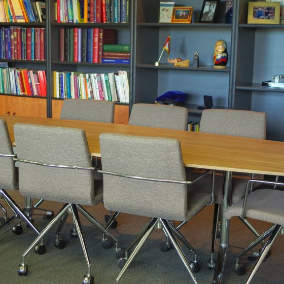 Conference table Design 4 Point Chairs