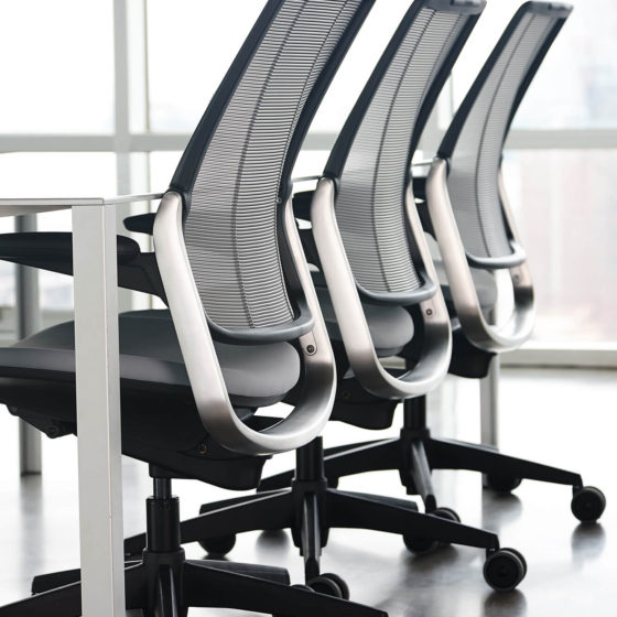 Humanscale Diffrient Smart chairs conference table
