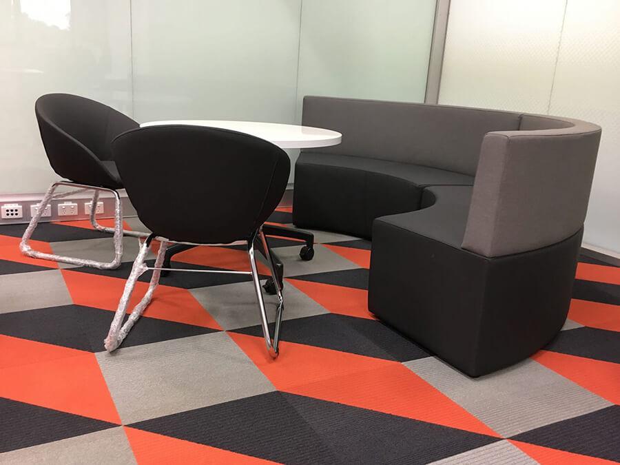Concave collaborative lounge Giro Tub Chair