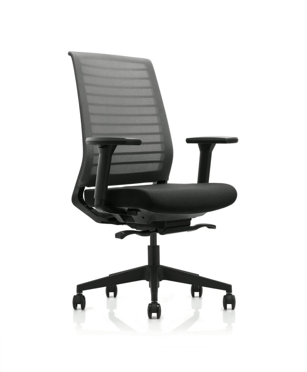 Horizon front 45 degree view, in black with mesh back, seat pad, 5 star base and castors