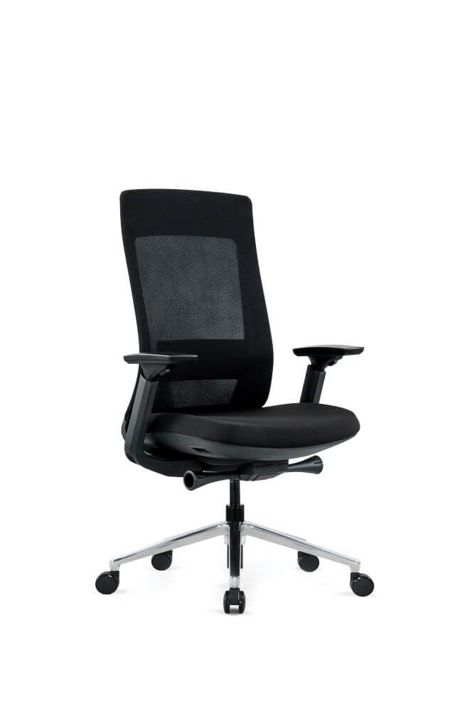 Vivid VR in black with alloy 5 star base, black armrest, seat and mesh back front 45 degree view